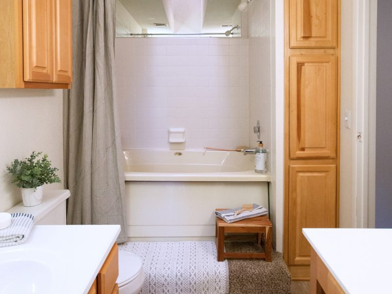TGM Meadow View Apartments Bathroom
